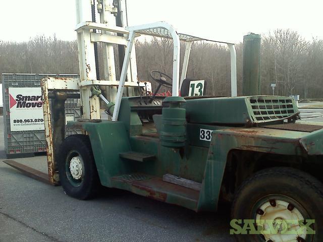 Forklift - Heavy Duty 30,000 Lb Capacity