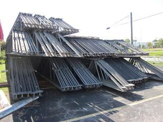 94 steel trusses salvex for Wood roof trusses for sale