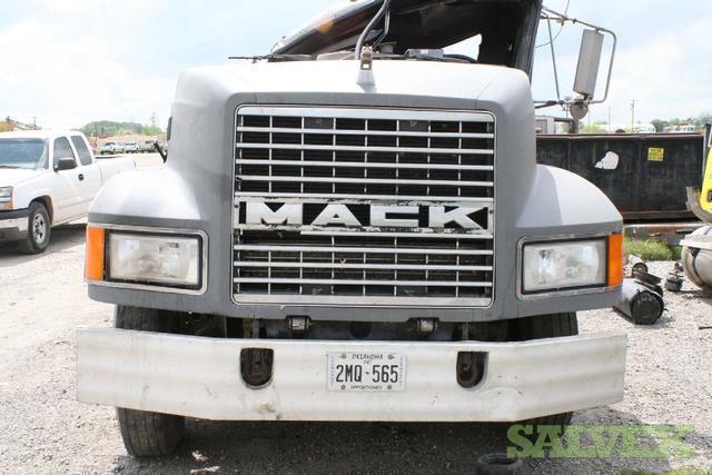 1995 Mack CH613