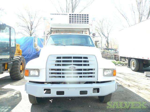 Ford F800 Thermo King Reefer Truck