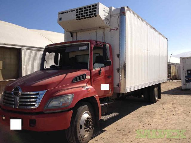 Truck - 2006 Hino 268A with a Thermo King Reefer