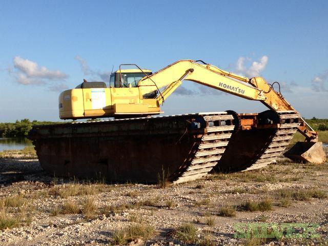 Amphibious Backhoe Excavator - Komatsu Brand | Salvex