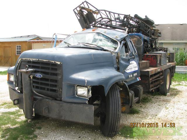 1995 Ford F800 with 1980 D50 Dierick Drill Rig