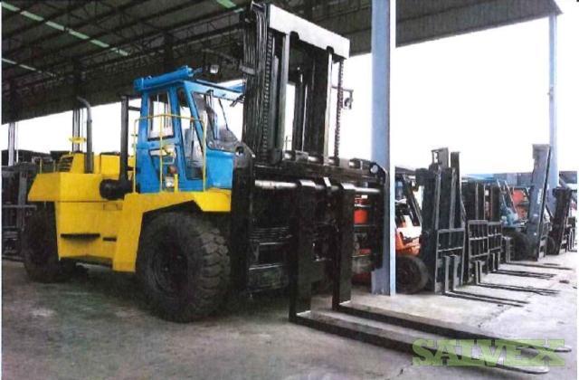 2006 Komatsu FD200Z-5 Forklift (20 Tons)