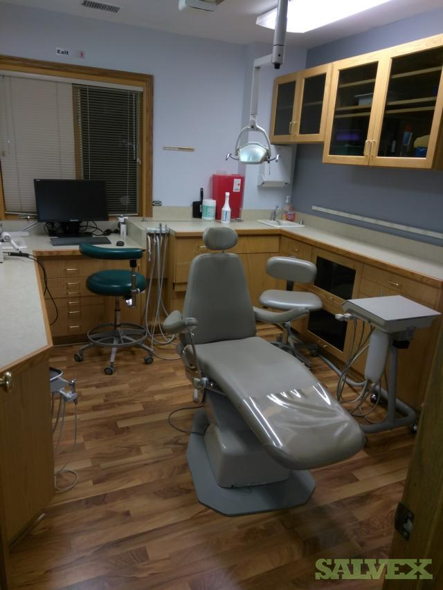 Used Dental /Tattoo Chairs - 10 Units