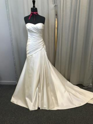 Audrey Hart Wedding Dresses- Lot Two- 200 Dresses | Salvex