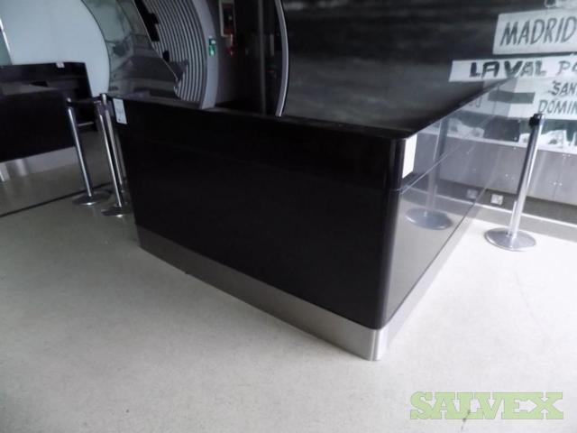 Gate Desks (18 Units)