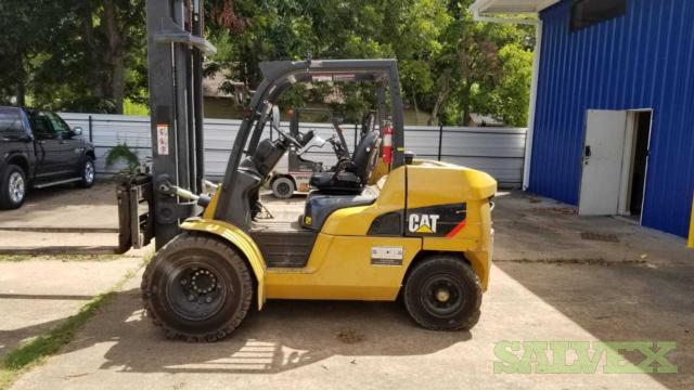 CAT DP50CN Forklift 2015 - 10,000 Lb Capacity