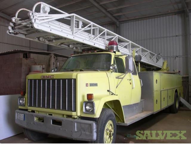 GMC Fire Fighter Truck with 33 Meters Aerial Ladder