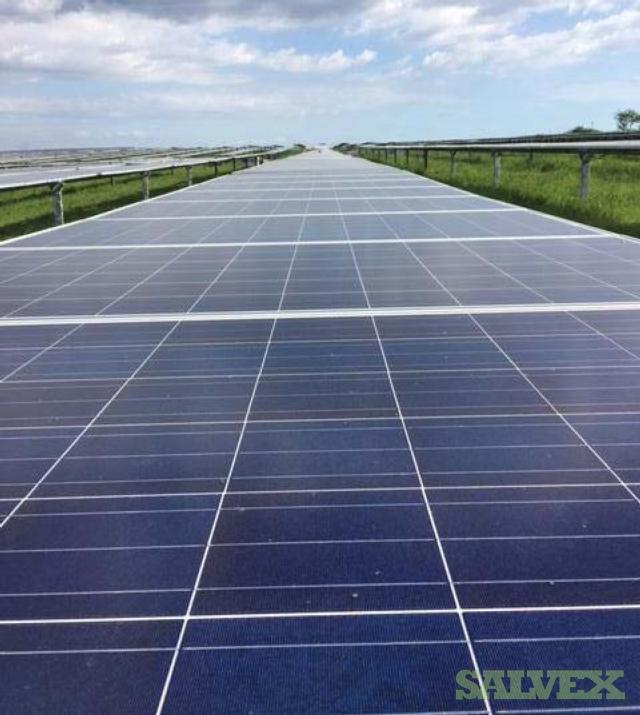 305W Crystalline PV Solar Panels - 211,975 Watts - Solar Farm