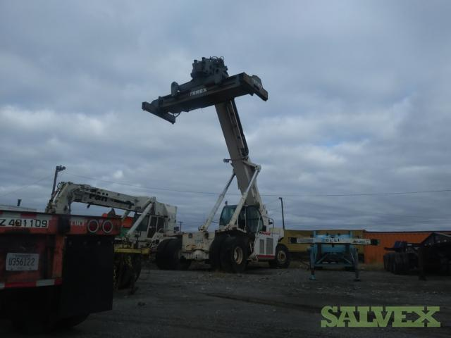 Terex and P & H Super Stackers (2 Units)