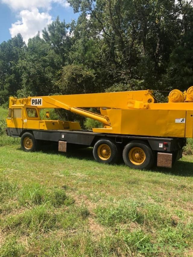 P&H Crane 1973, T200, 98ft Boom with JIB Erected, 39,320 Miles