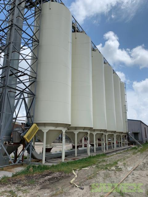 2016 Meridian Grain Hopper Bins
