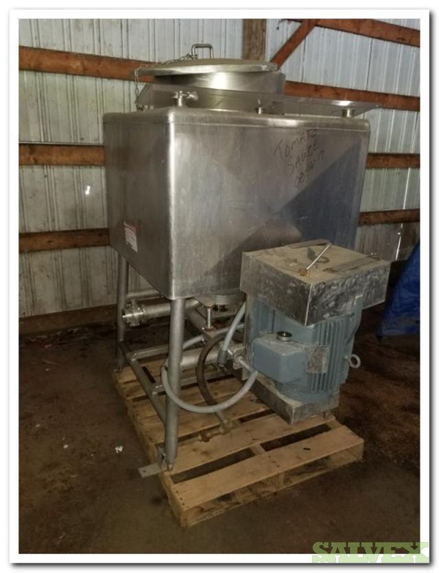 Single Square Wall Liquefier - Industrial Liquid Mixer (Estimated 150 Gallon Capacity)