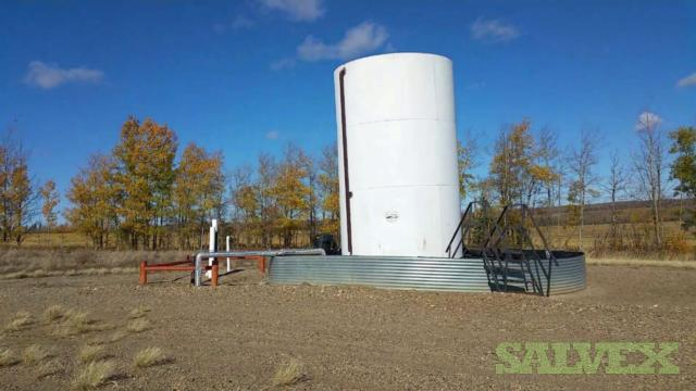 The 03 x 400 BBL white tanks do not have foam insulation outside but are internally coated (reference: 5-7-85-4W6)