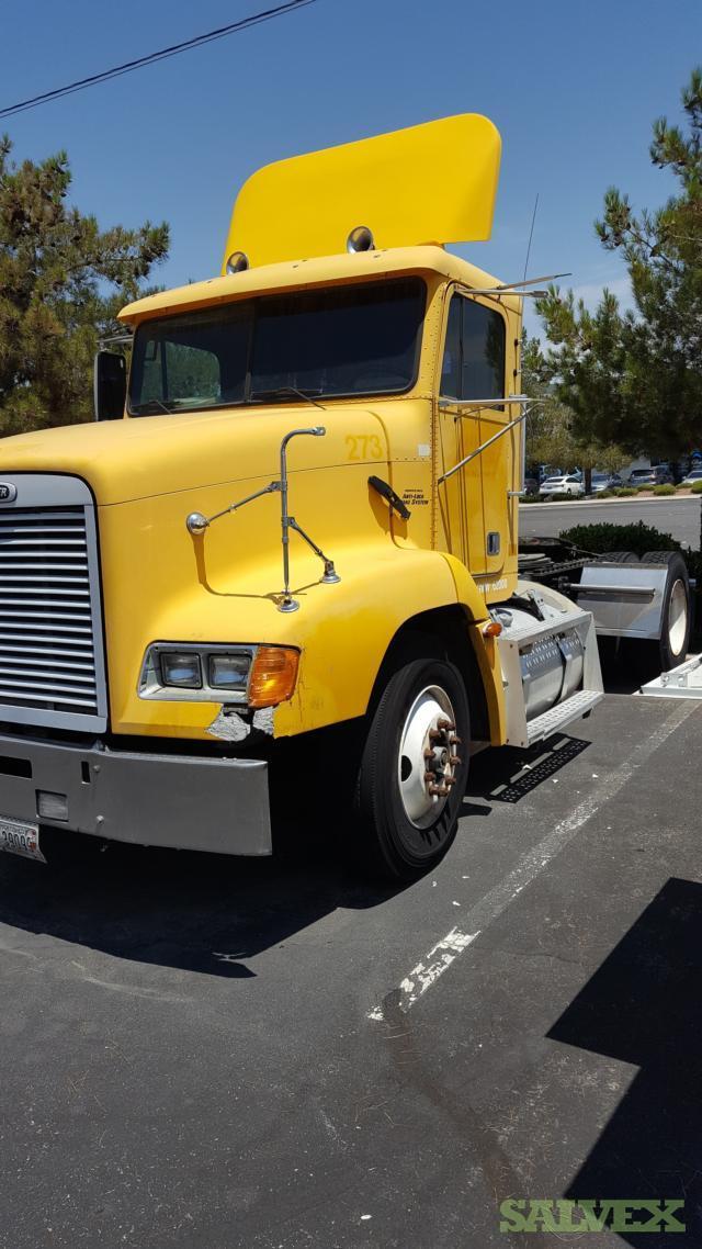 Freightliner FL 112 Day Cab Truck 2000