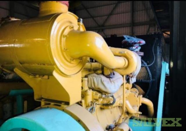 Komatsu 56D140 Engine and Siyueh CH200-56 Pump (2 Items)