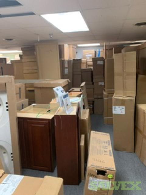 Kitchen Cabinets and Vanity Cabinets and Misc Tops (632 Pieces) in Maryland