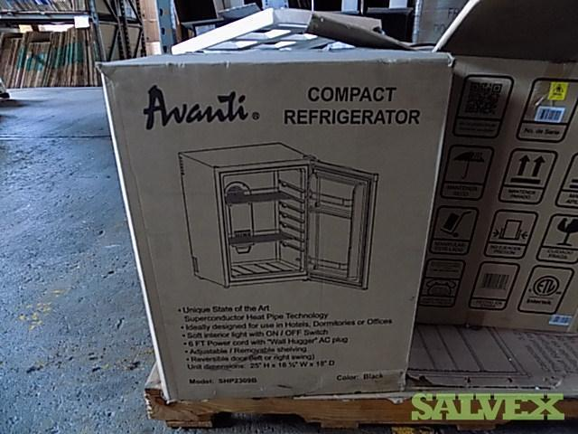 Refrigerators, Gas Ranges Microwaves, Dryers, Wine Coolers (86 Items / 12 pallets) - from Freight Claims
