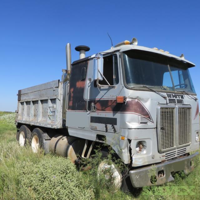 White WHIT02 Dump Truck 1983