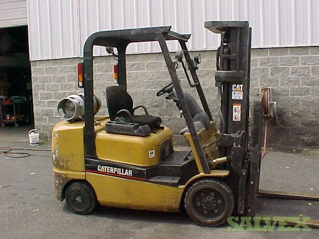 Caterpillar CC30K Propane Forklift (1 Unit)