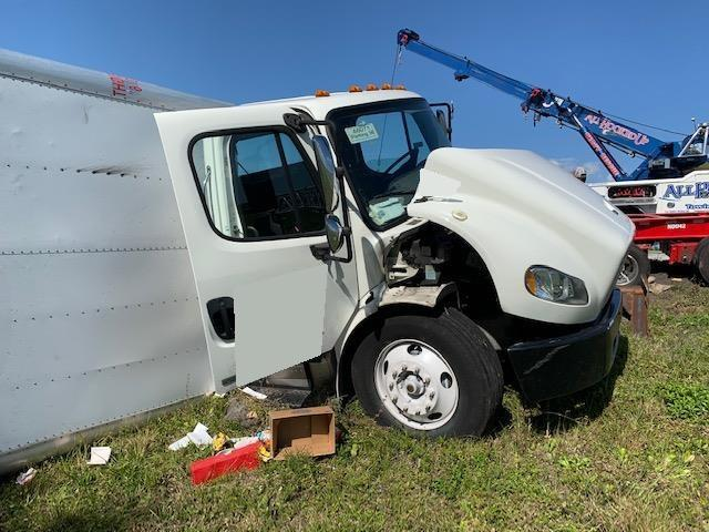Freightliner M2 106 Truck 2012 (1 Unit)