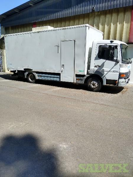 Mercedes Benz Truck - Equipped with a Prokasro UV-Chain  (8x 400W or 8x 600W)