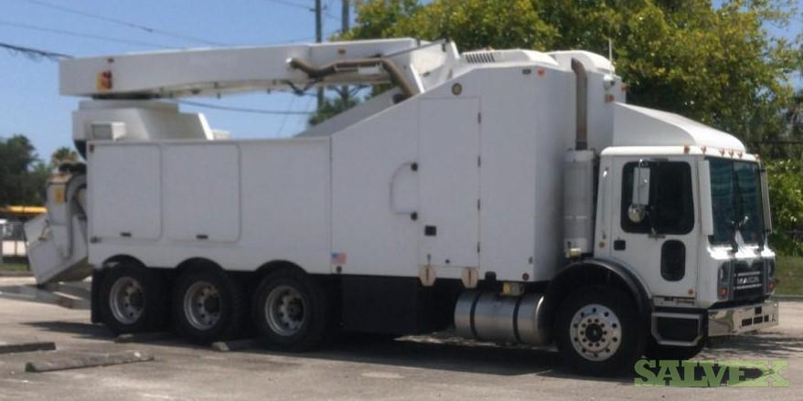 Mack MRU600 2008 Truck and Rapiscan Eagle M-4508 Mobile Cargo Container / Automobile X-Ray Scan Machine