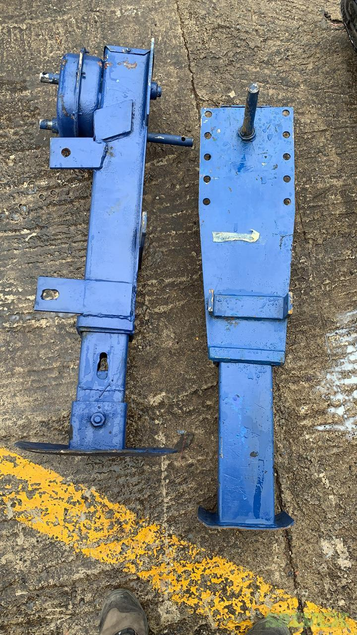 Volvo Version 3 Truck Parts and Trailer Landing Legs