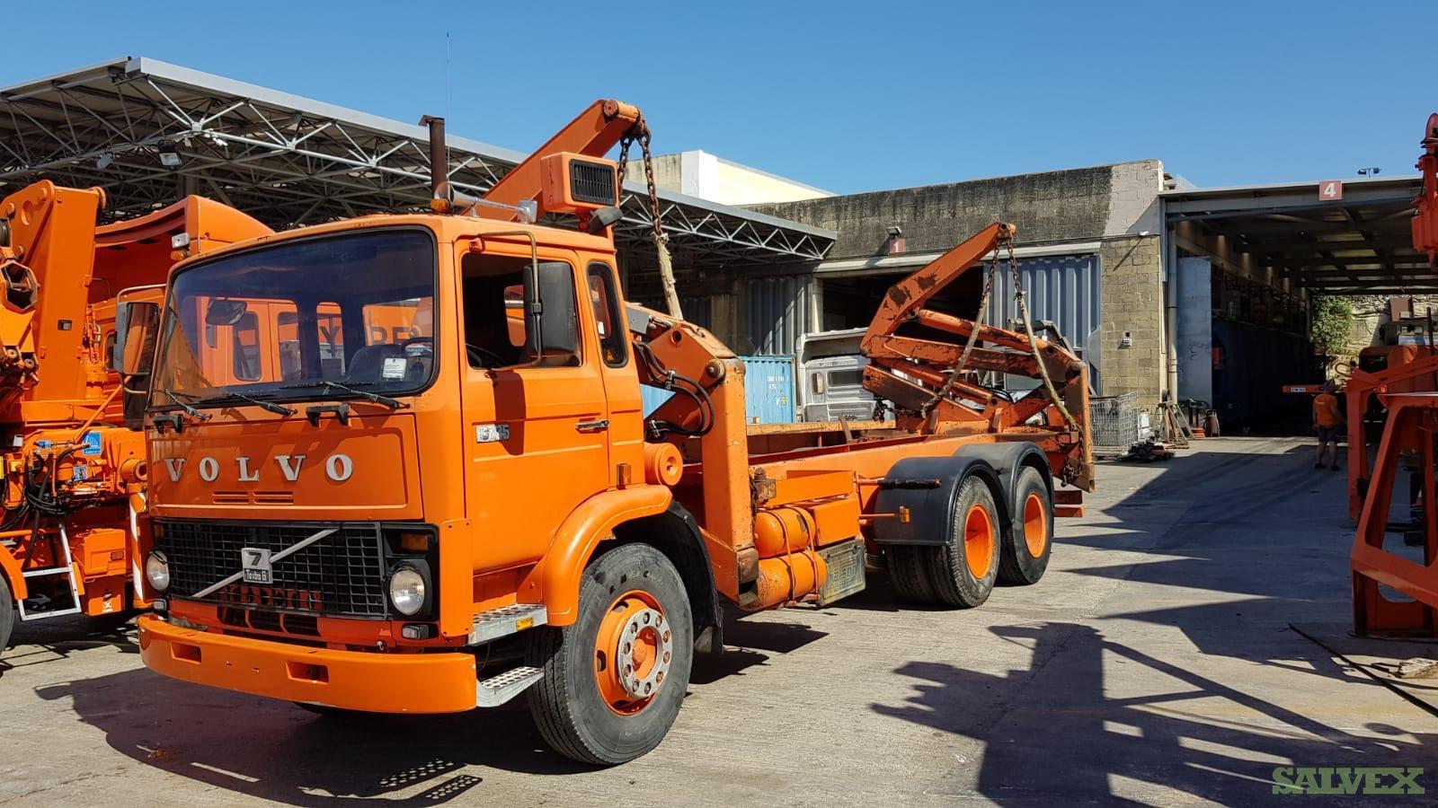 Volvo F725 Side Loader & Linda Forklift (2 Items)