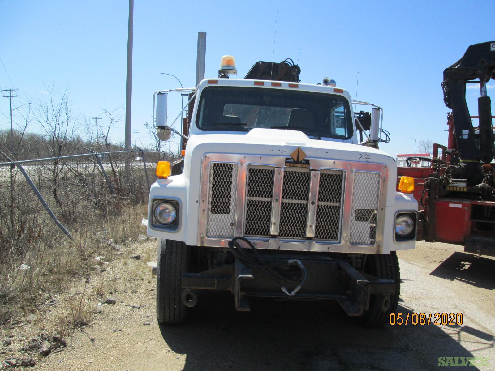 International 2674 Dump Truck 1999