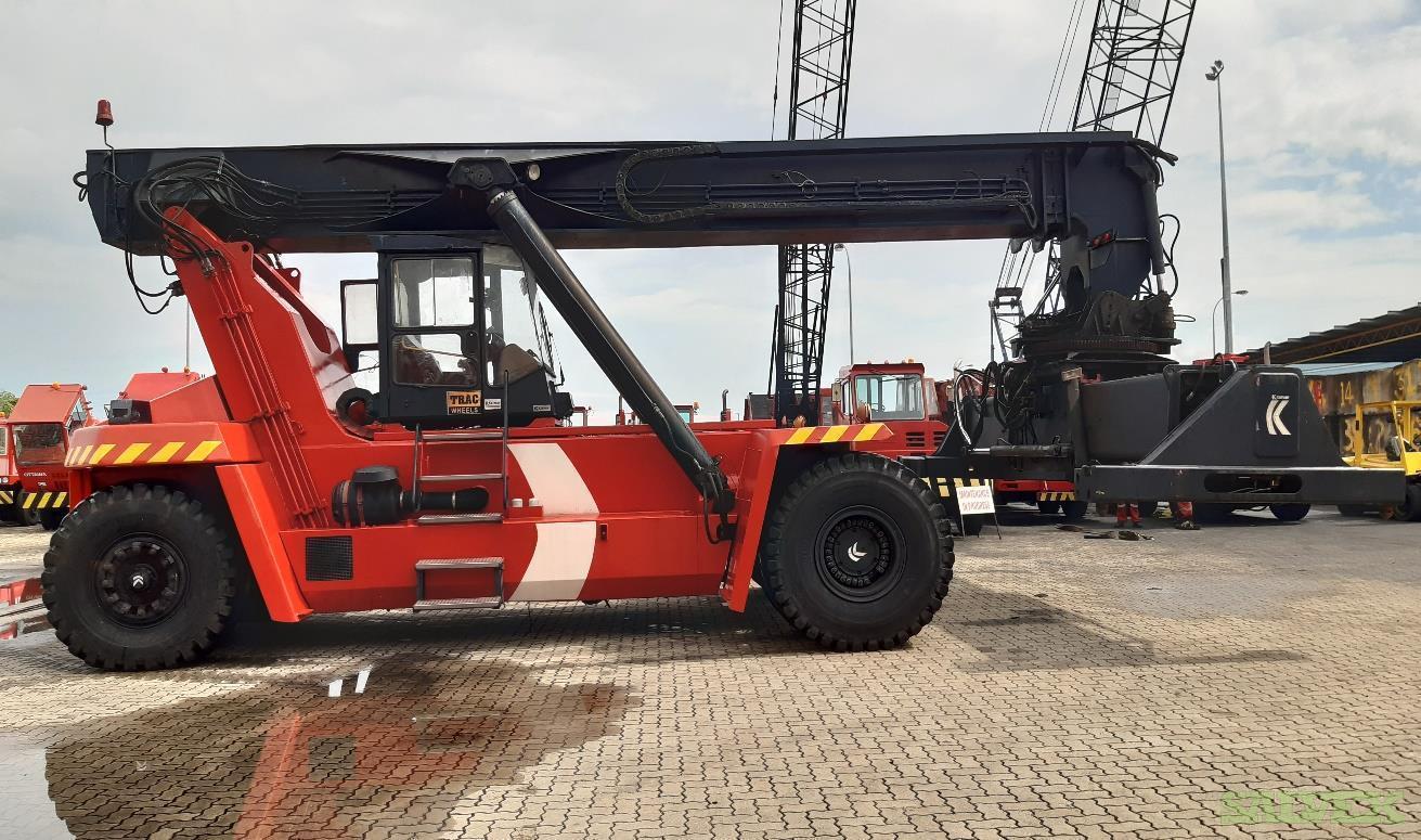 Kalmar DRD420 Reach Stacker 2000