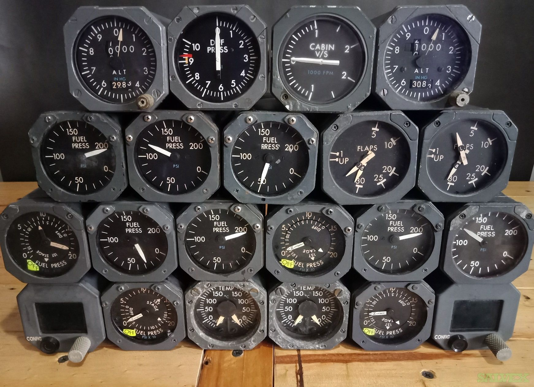 Boeing 747 Alt Cabin, Cabin Diff. Press., Dual Fuel Indicators and More (19 Units)