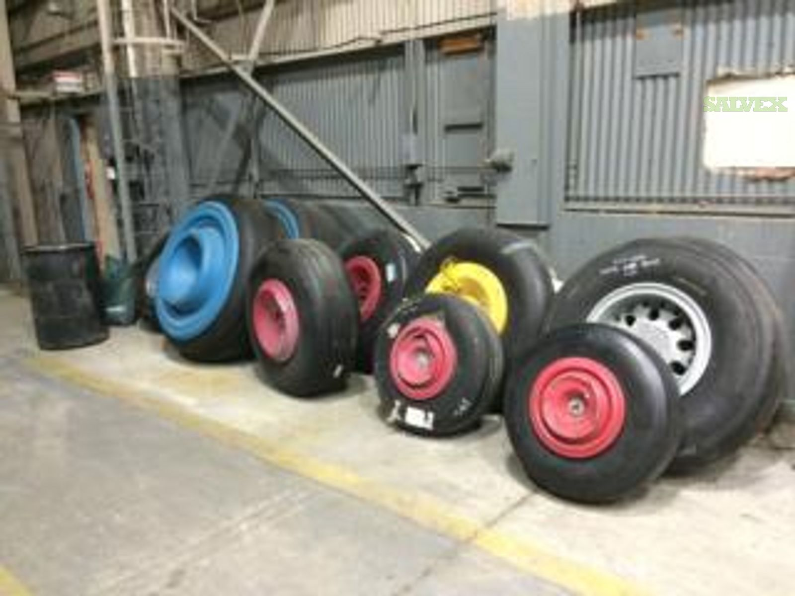 Aircraft Nose, Main Tires and Wheel Assemblies - for MD-11, B747-200 & B707 (11 Units)