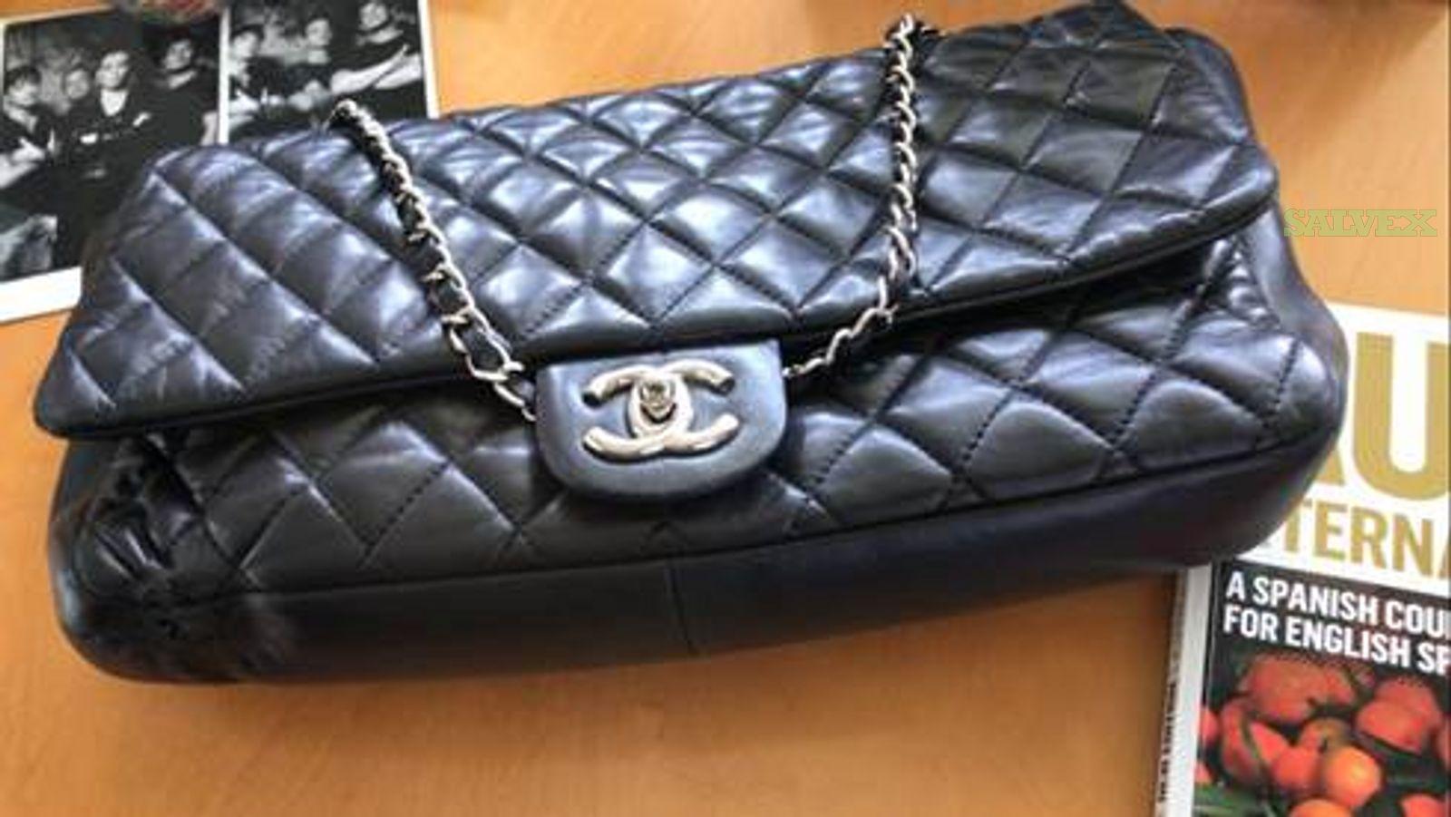 Chanel 2.55 Classic Leather Handbag in Sao Paulo - Damaged