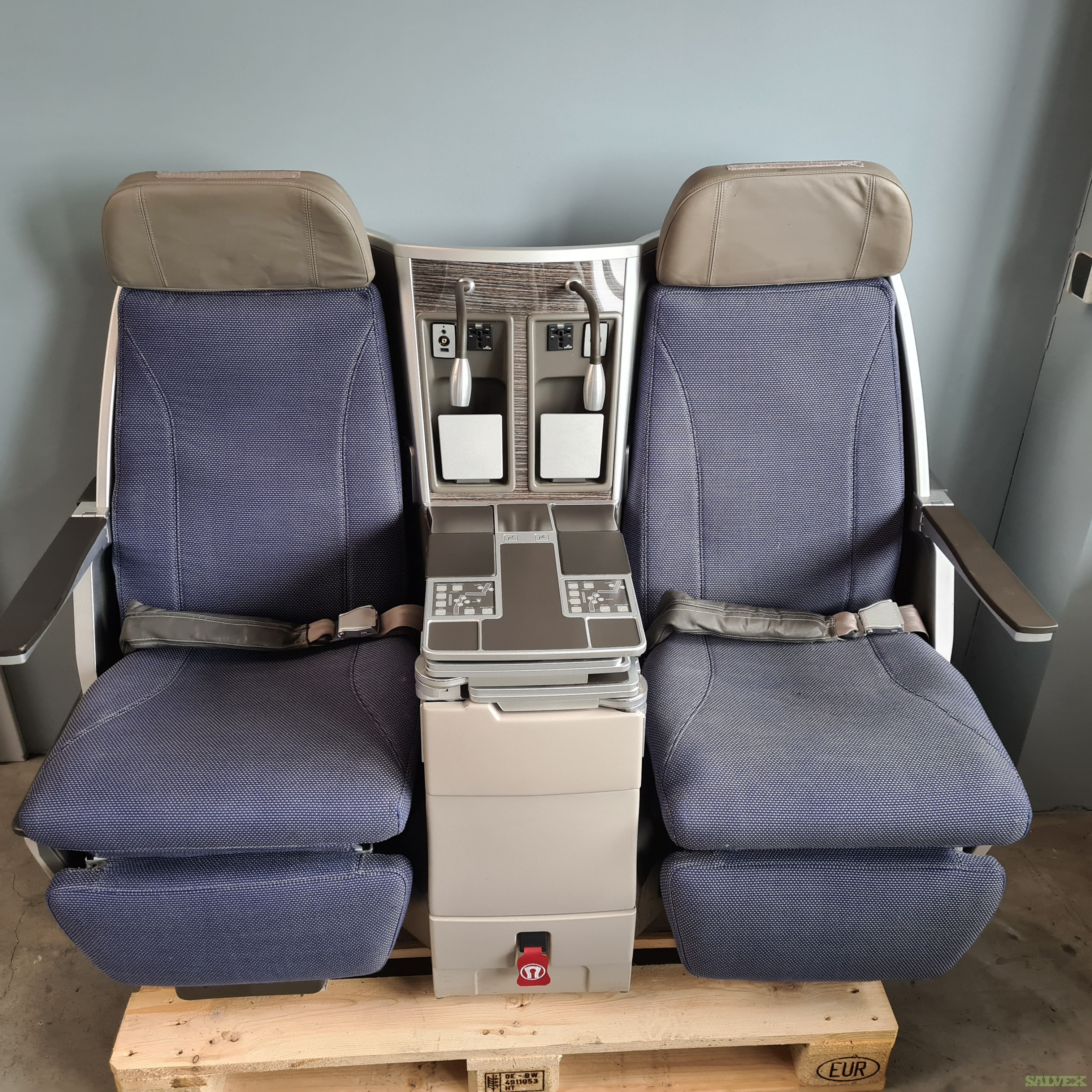 Thompson Vantage Business Class Seats - for Airbus A330/A340 (52 pax)