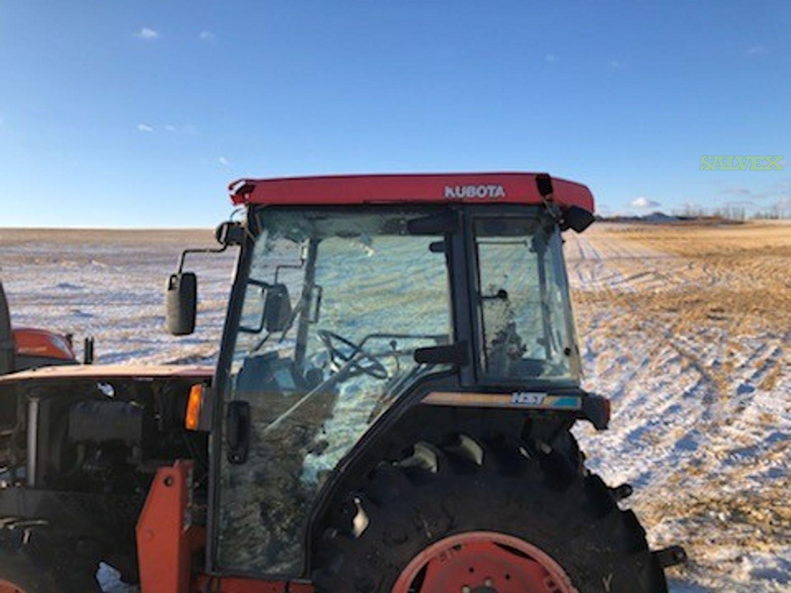 Kubota Tractor 1999 - Damaged