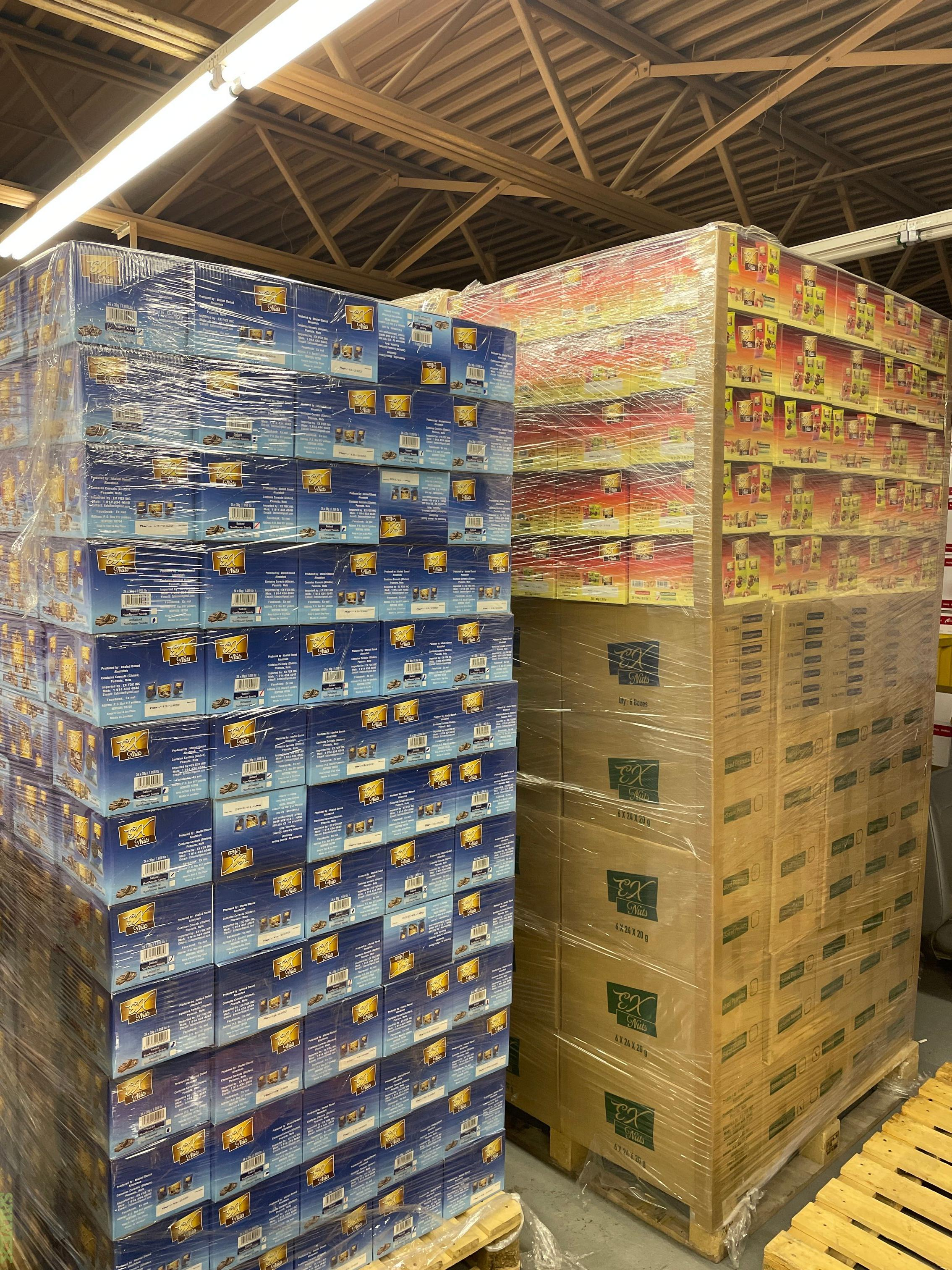 Sunflower Seeds, Peanut Unsalted/salted, Mixed Nuts, Almond, and Pumpkin Seeds (4,403 Cases)