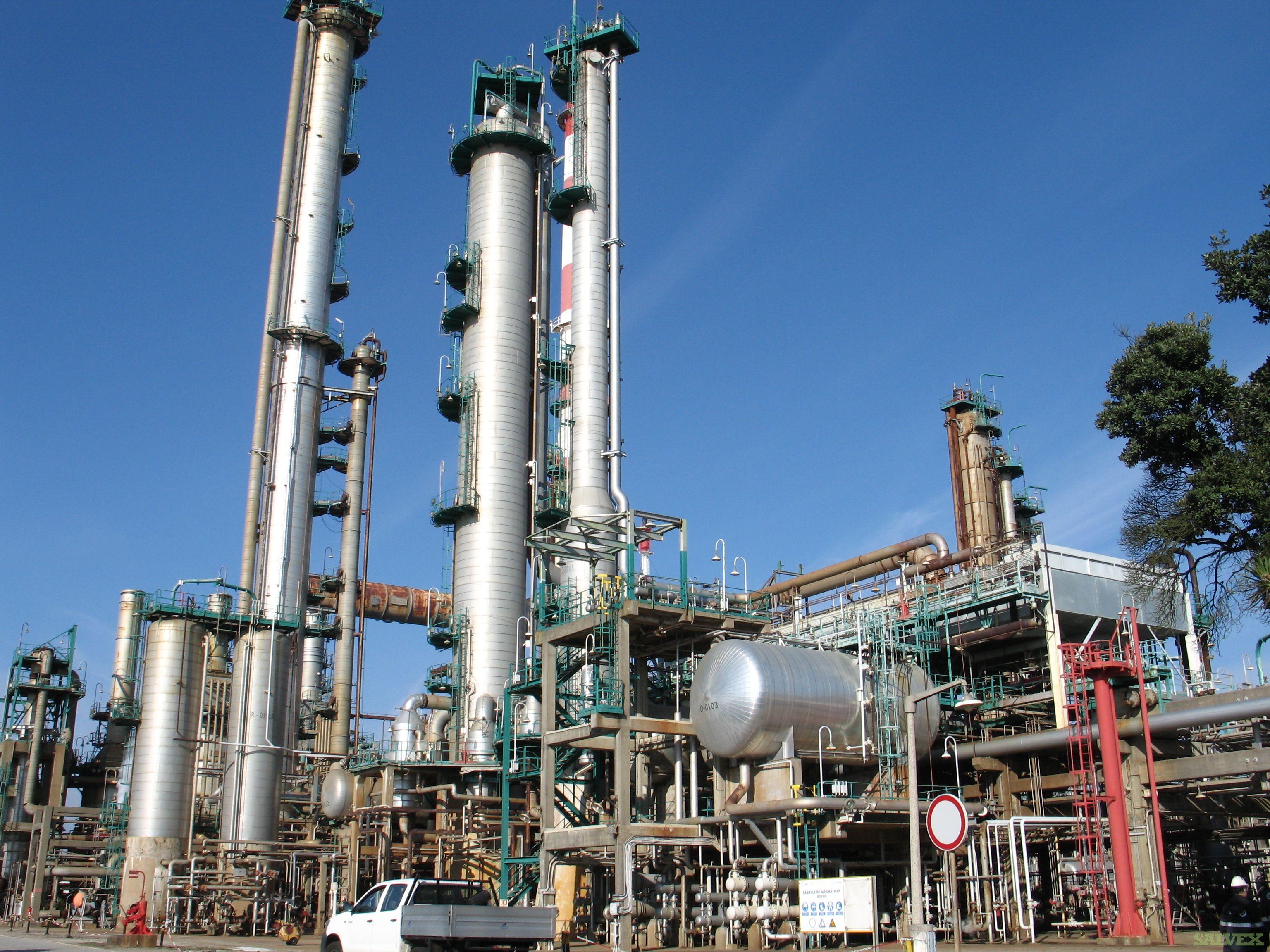 Complete Fuels Plant: Base Oils Plant, Aromatics Plant, Cogeneration Plant, Monobuoy & Adjacent Equipment.