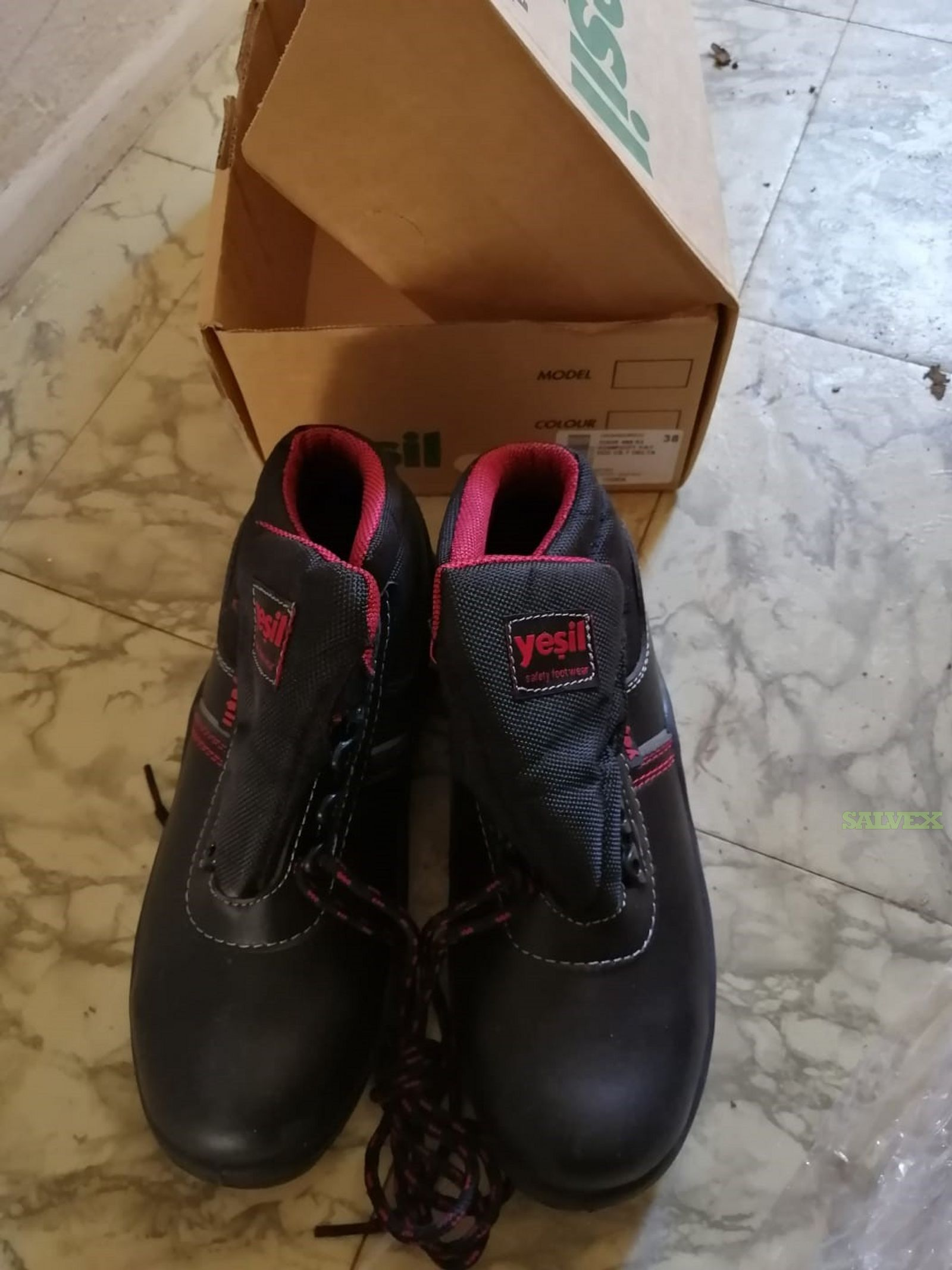 YDS&YESIL Shoes for Work (605 Units)