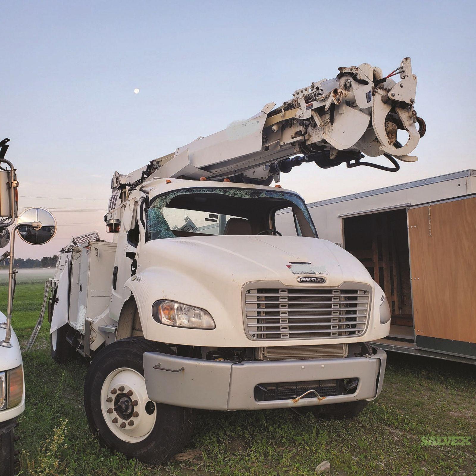 Freightliner Digger Truck 2019